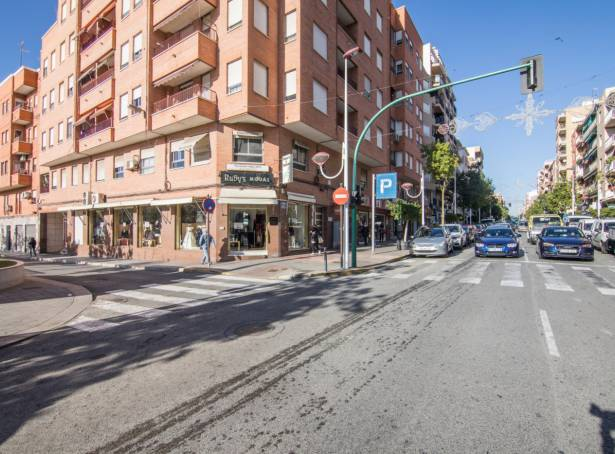 Local comercial - Alquiler - Elche - Plaza Madrid